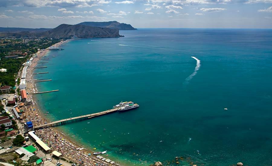 Вид на город и его пляжи с крепости