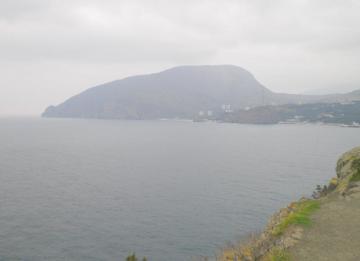 Алушта, Утес. Вид с мыса Плака. Ноябрь 2011