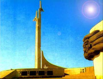 Памятник летчикам, сражавшимся за Севастополь  1941-1944гг