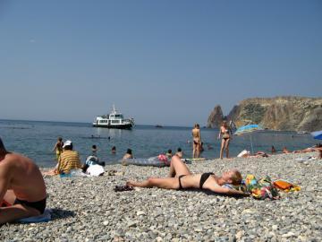 Рейсовый катер на пляжи Балаклавы